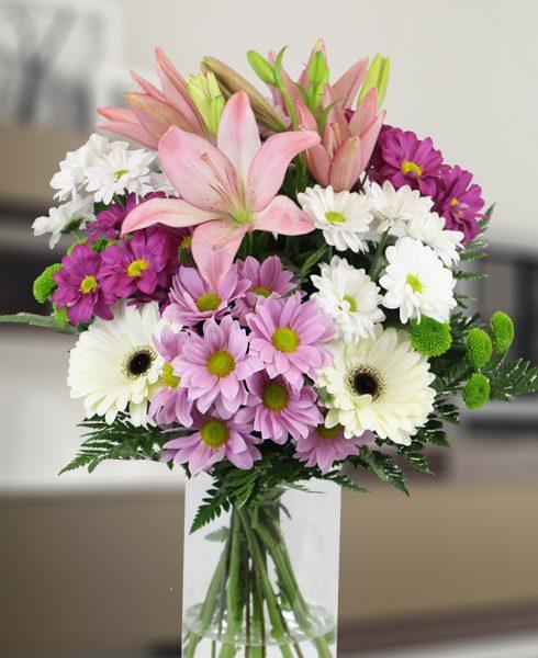 Ramo romántico con flor de temporada
