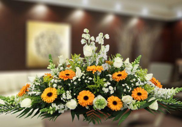 Centro funerario horizontal tonos naranjas