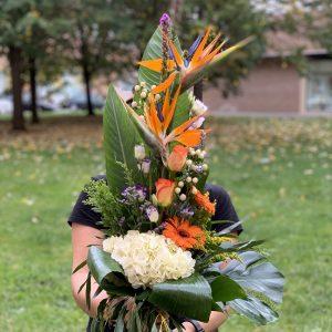 Ramo con ave del paraiso, liatrix y flor especial